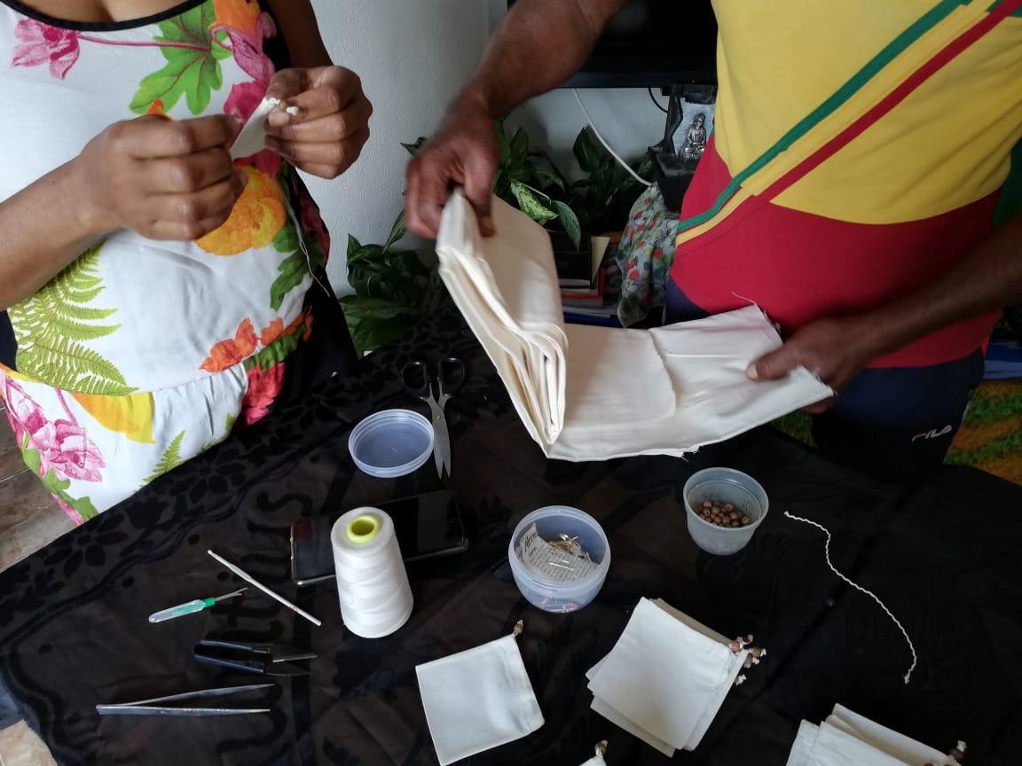 Feuilles-et-fleurs-sachets-bio-002